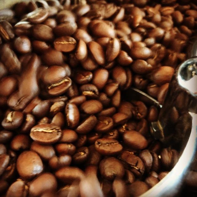 コーヒー農園から直輸入された新鮮なコーヒー豆100%を使用しかも受注後焙煎したてのコーヒー豆をお届けします♪